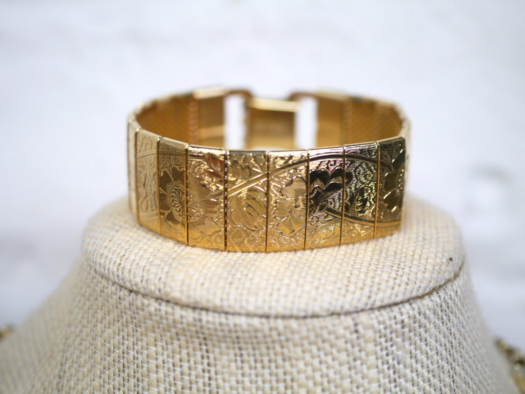 Sarah Coventry Bracelet Embossed Flowers Gold