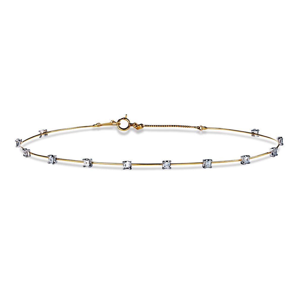 Floating Choker with square-shaped diamonds