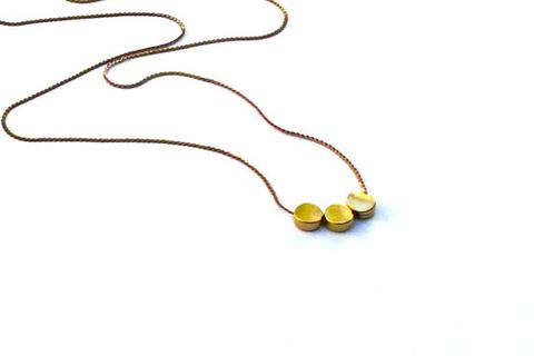Isobell Designs – Three Dot Necklace