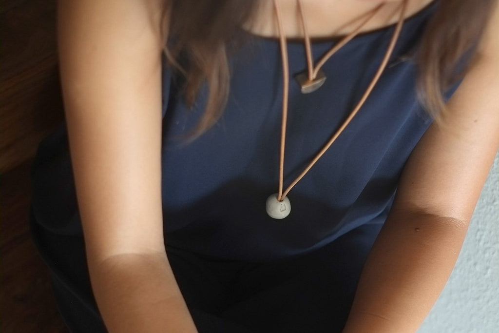 Jujumade – Loop Necklace Light Grey
