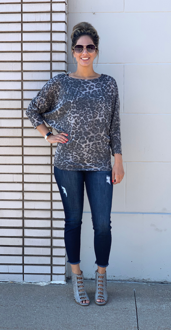 *Leopard Boat Neck Knit Top