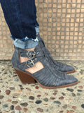 *Pointed Toe Buckle Booties