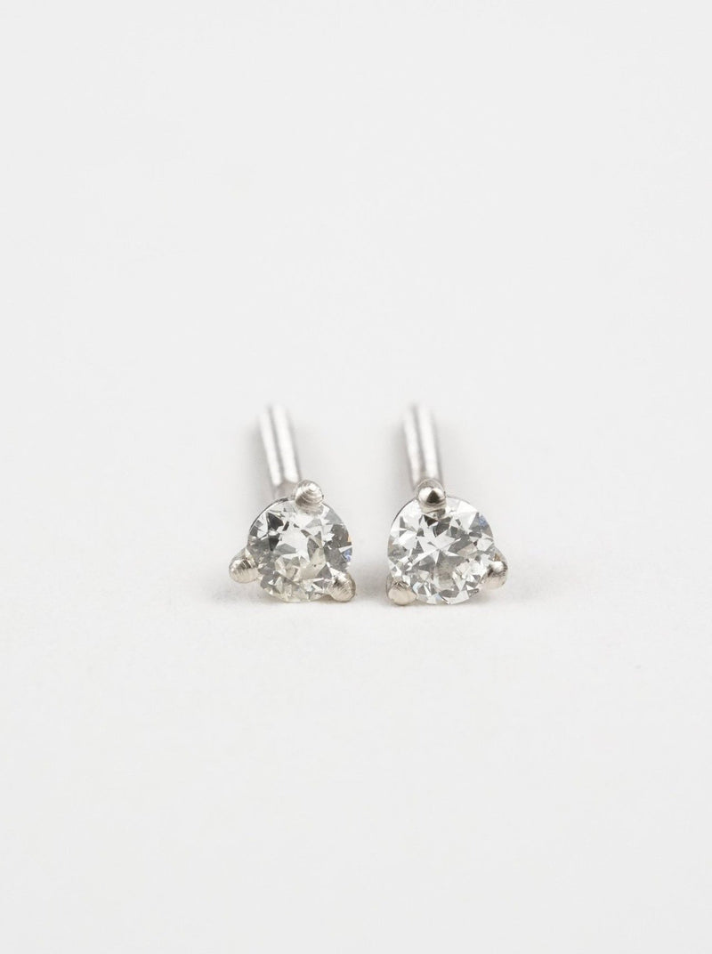 Shown: 2.5mm in white gold.