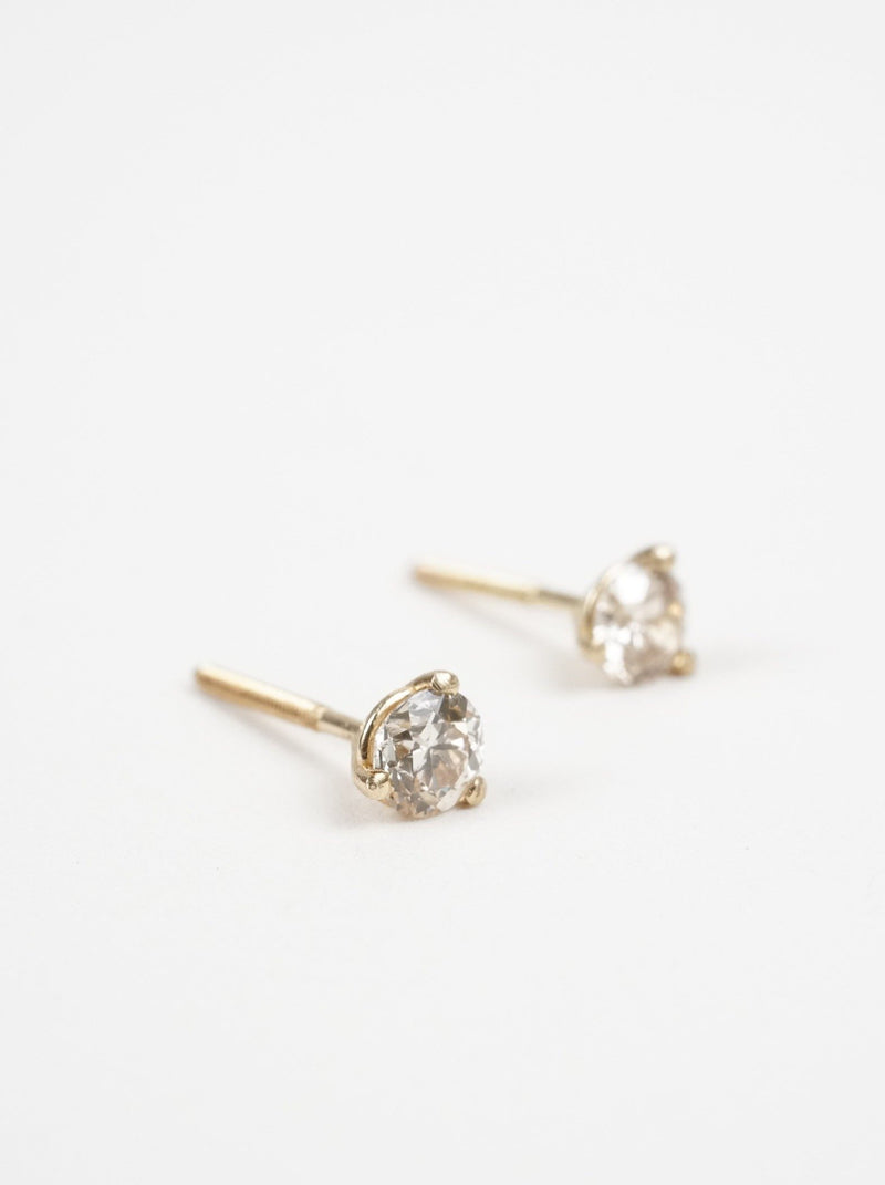 Shown: 3.5mm in 14k yellow gold.