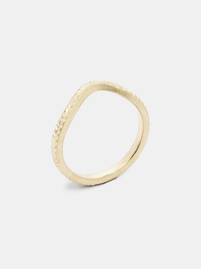 Arbor Arching Wisteria Band in 14k yellow gold with signature matte finish.