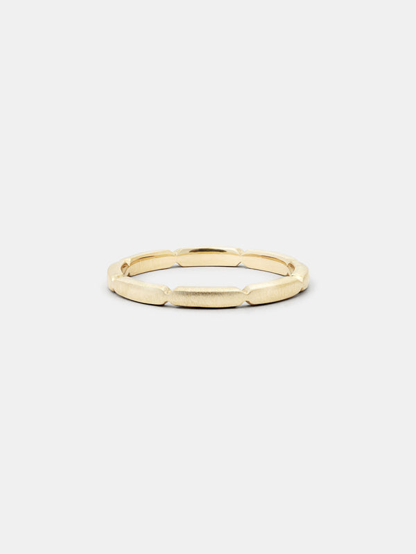 Shown: 14k yellow gold with smooth texture and matte finish.