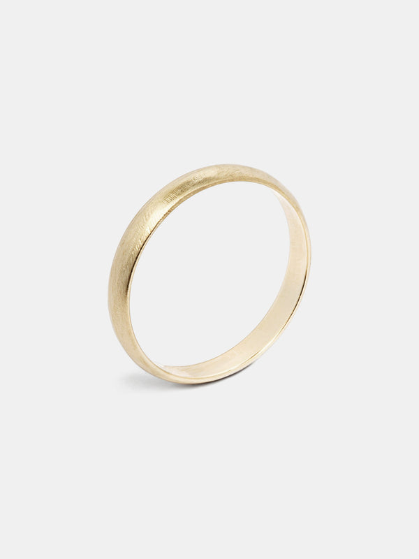 Clover Lite Band in 14k yellow gold with organic texture and signature matte finish.