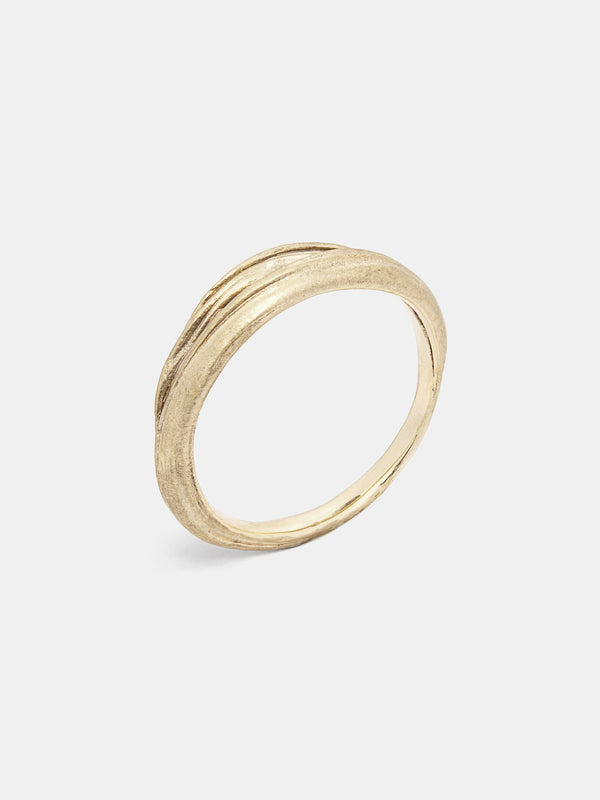 Mitsuro Band- Overlap in 14k yellow gold with signature matte finish.