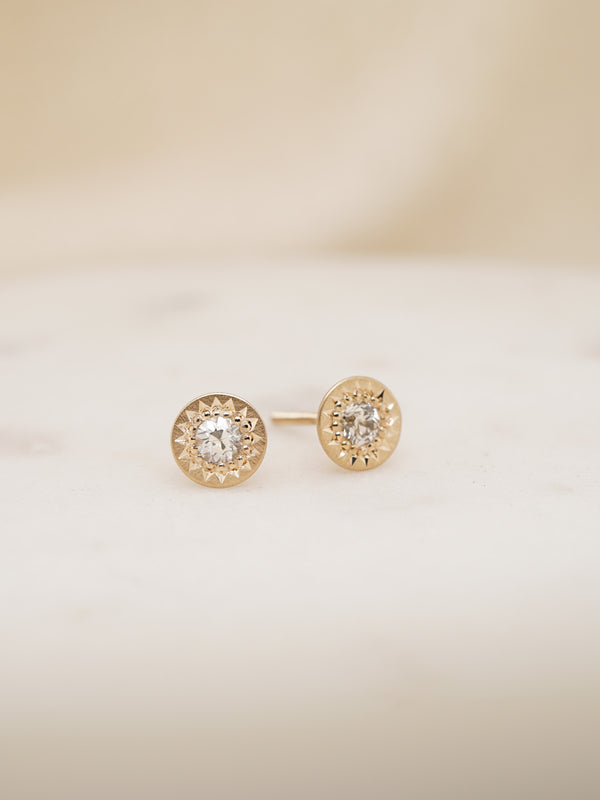 Shown: 0.10ct (3mm) antique diamonds set in 14k yellow gold with smooth texture and matte finish.
