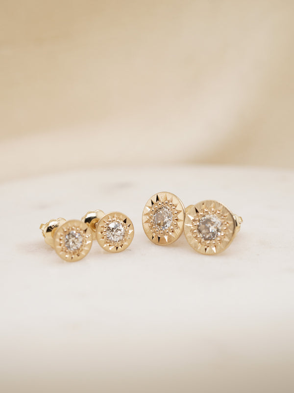 Shown: (Left) 0.10ct (3mm), (Right) 0.25ct (4mm) antique diamonds set in 14k yellow gold with smooth texture and matte finish.