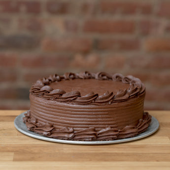 Vanilla Cake with Chocolate Frosting