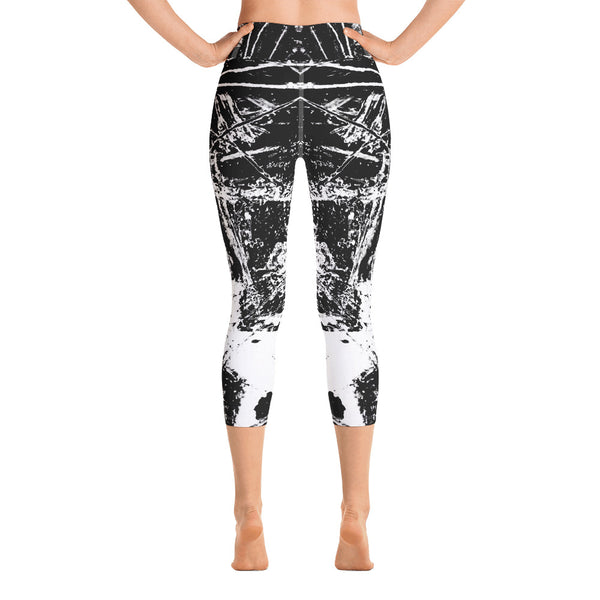 Black desert Capri Leggings