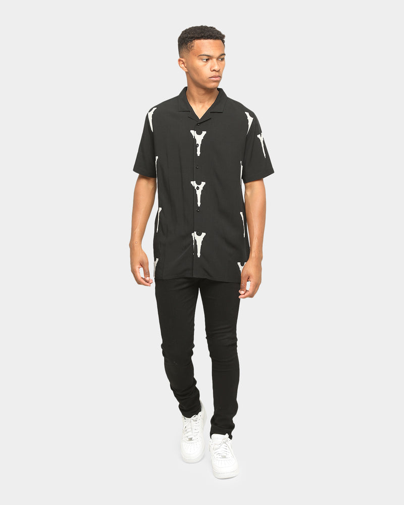 Carré Iron Lady Short Sleeve Button Up Black