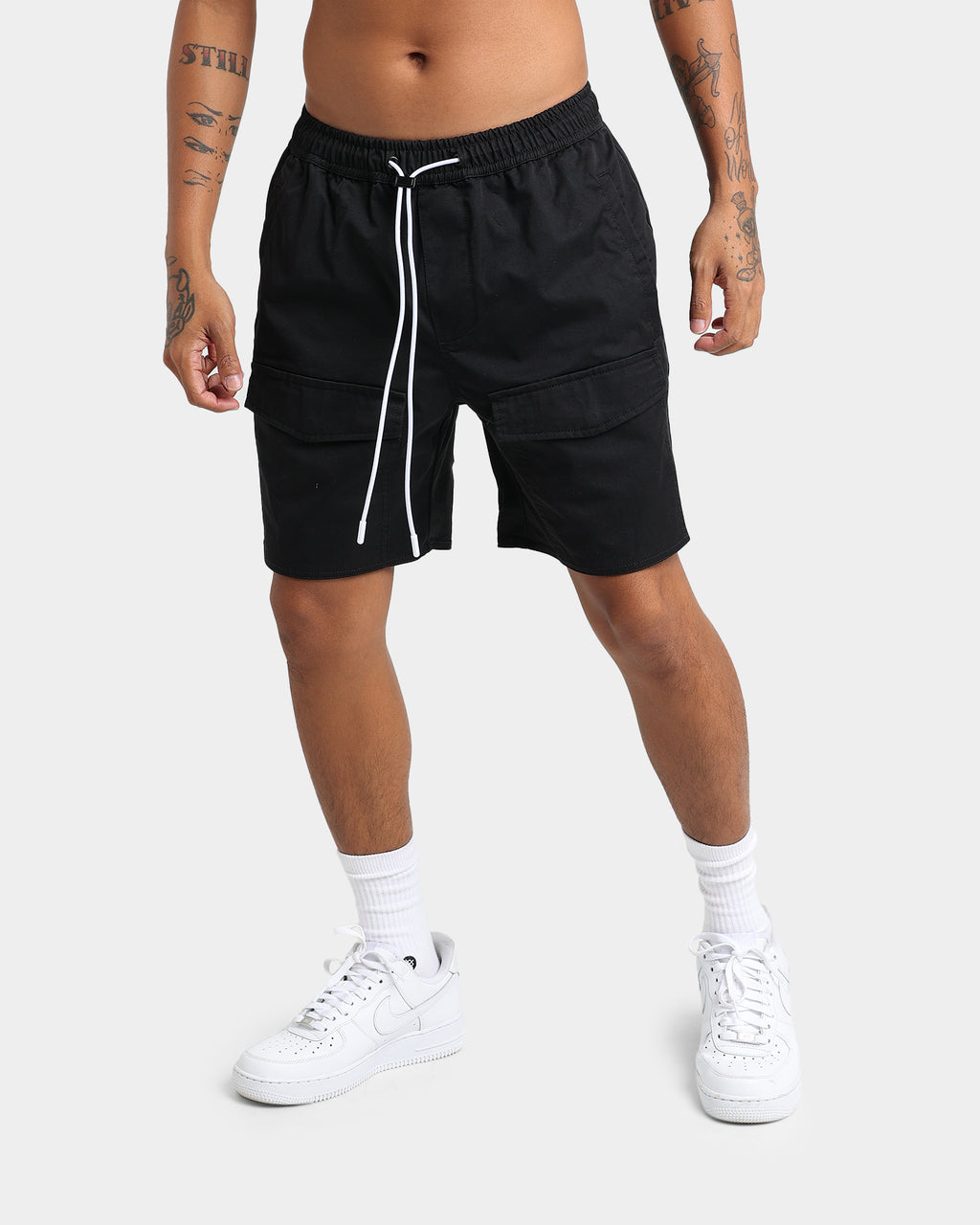 Carré Artisan Cargo Short Washed Black