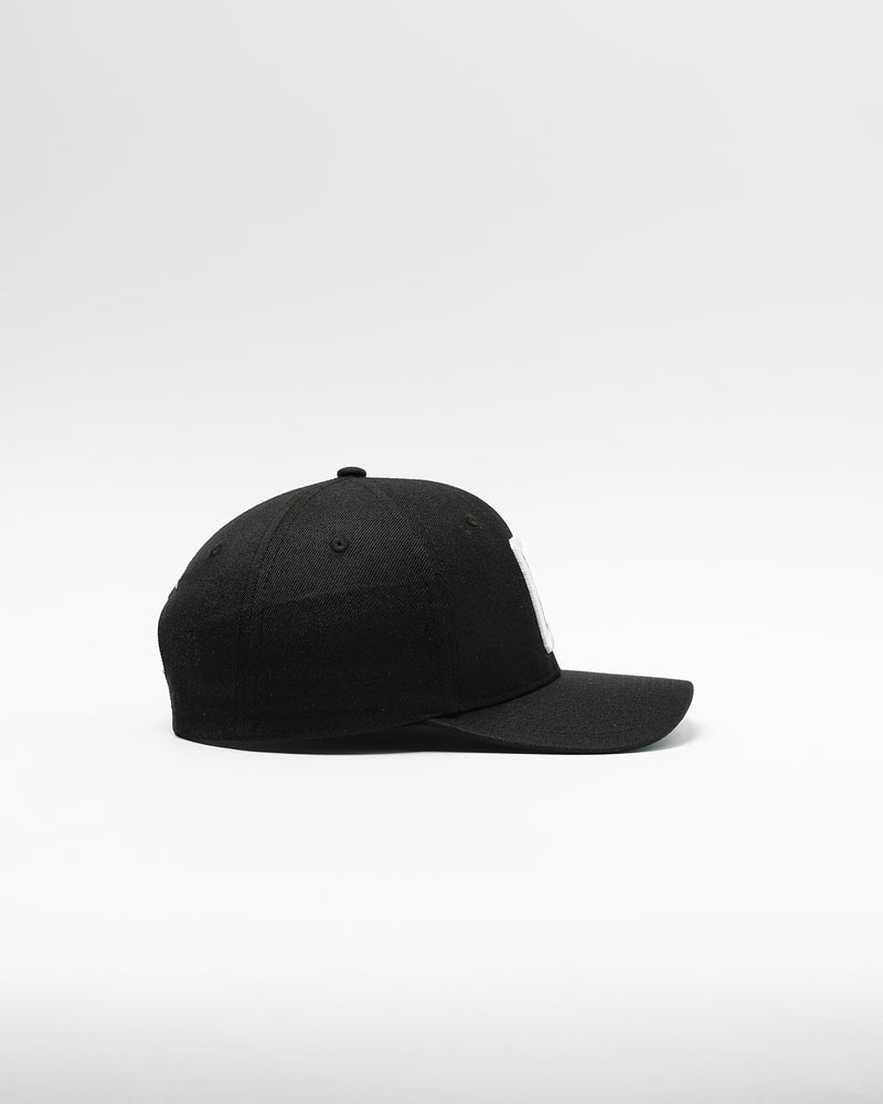 Carré Capital C Grand Snapback Black