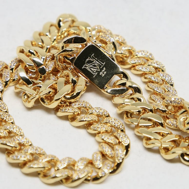 "DIAMOND 22"" CUBAN LINK 12MM - 18k Gold Plated with CZ"