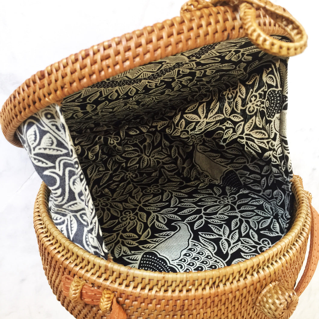 Handwoven Bali Round Crossbody Straw Rattan Bag Hartly Co