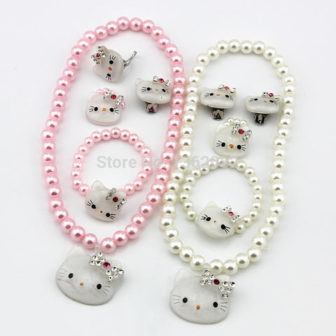 Hello Kitty Necklace set