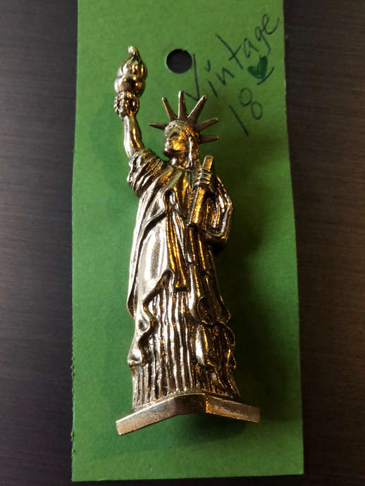 Vintage Statue of Liberty Brooch