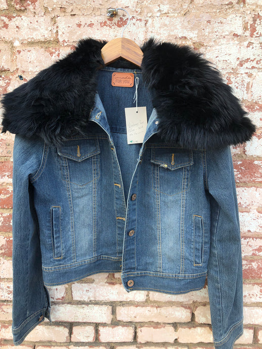 Vintage Denim Jacket with Fur Collar