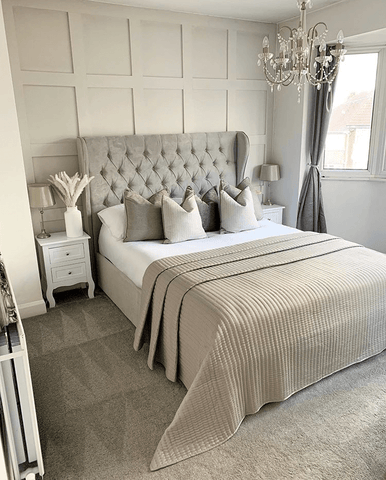 Recreate the glamour of a high end hotel room in this room by @_homebylaura