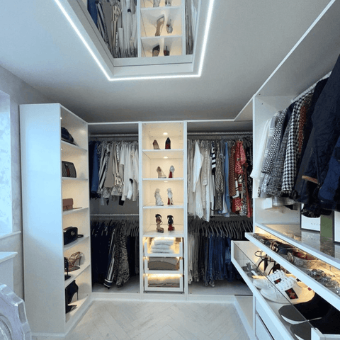 The highpoint of the house has to be this enormous American-style walk-in wardrobe, with room for dozens of handbags and shoes. Divine!