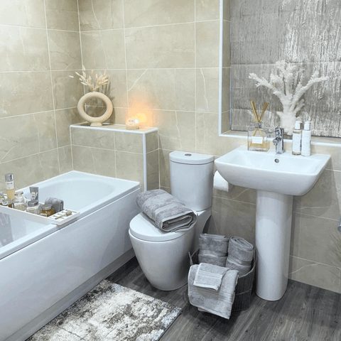 For a little touch of luxury, the bathroom has a set of Hampton and Astley indulgently thick Egyptian cotton towels, in silvery subtle grey, of course.
