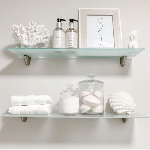Who doesn't love a shelfie? And this one has the perfect selection of bright white bathroom accessories