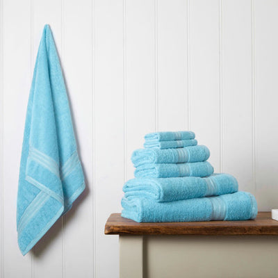 Our towel bale offers 7 turquoise towels including 1 large bath sheet, 2 bath towels, 2 hand towels, 2 face cloths