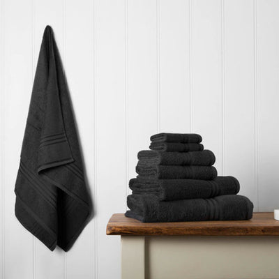 Our towel bale offers 7 black towels including 1 large bath sheet, 2 bath towels, 2 hand towels, 2 face cloths