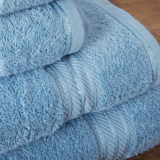 Our blue bath sheets make your bathroom feel like a spa.