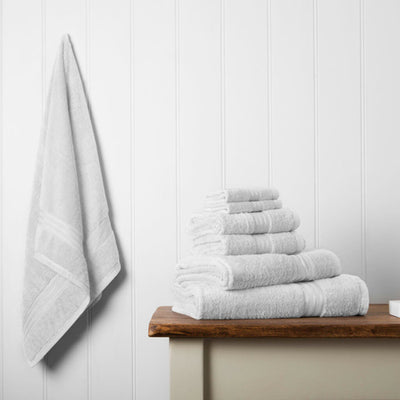 Our towel bale offers 7 white towels including 1 large bath sheet, 2 bath towels, 2 hand towels, 2 face cloths