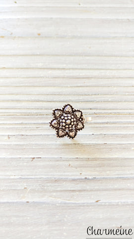 Silver Dotted Flower Nose Pin Big