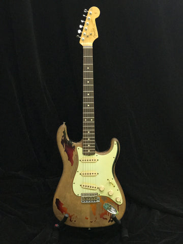 RORY GALLAGHER SIGNATURE CUSTOM SHOP FENDER STRATOCASTER ARTIST STRAT PRE LOVE INSTRUMENT AT PIANO TIME