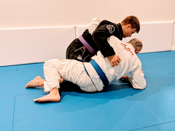 Hip escape from elbow for scrambles