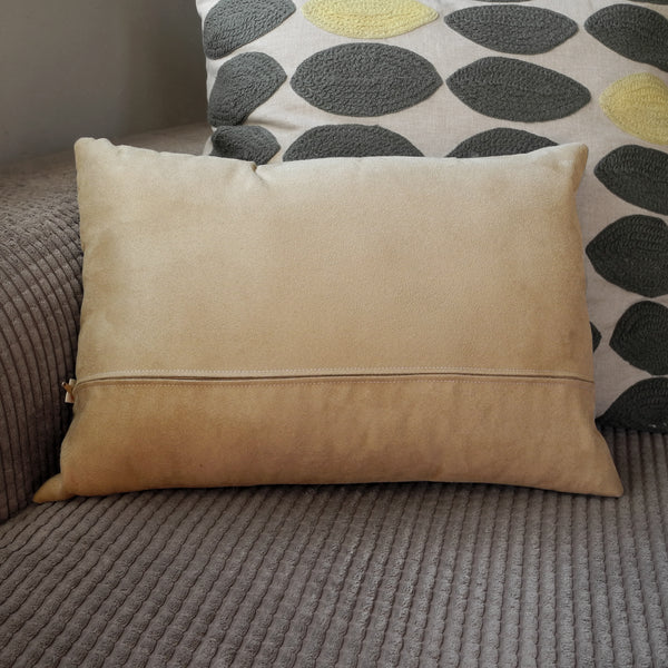 Back of the Hounds of Love wide cushion