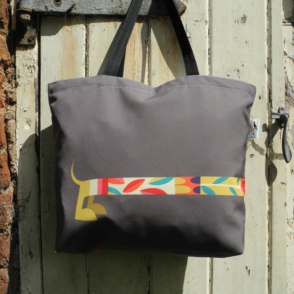 Dashing Dachshunds tote bag - back view