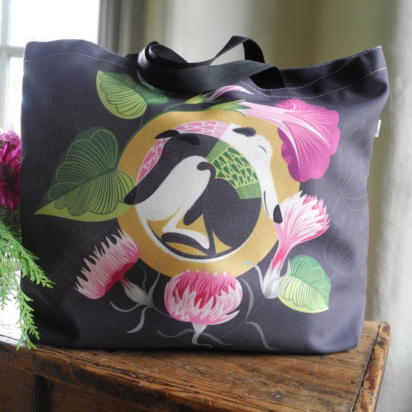 Front view of the Mabel & Olive tote bag