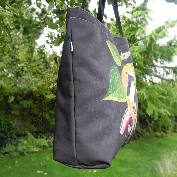 Side view of the Mabel & Olive tote bag