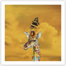 Giraffe and Butterfly - giclée kunstprint fra Helt Sort Galleri