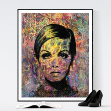 Twisted Twiggy - pop art kunsttryk af Helt Sort
