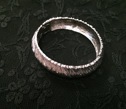 1960's Silver Cuff Bangle / Vintage Bracelet / Vintage High Fashion / Mad Men / Cocktail Jewelry / Rockabilly / Mod / Retro