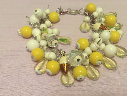 Ice Cream Charm Bracelet / Lemon and Vanilla / Vintage 1940's Inspired Handmade Bracelet / 1950's - 70's Beads / Beaded Charm Bracelet