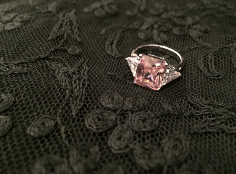 Glamorous Sparkling Cubic Zirconia Ring / Vintage Ring / 1980's Jewelry / Cocktail Ring / Diamond Style Ring /