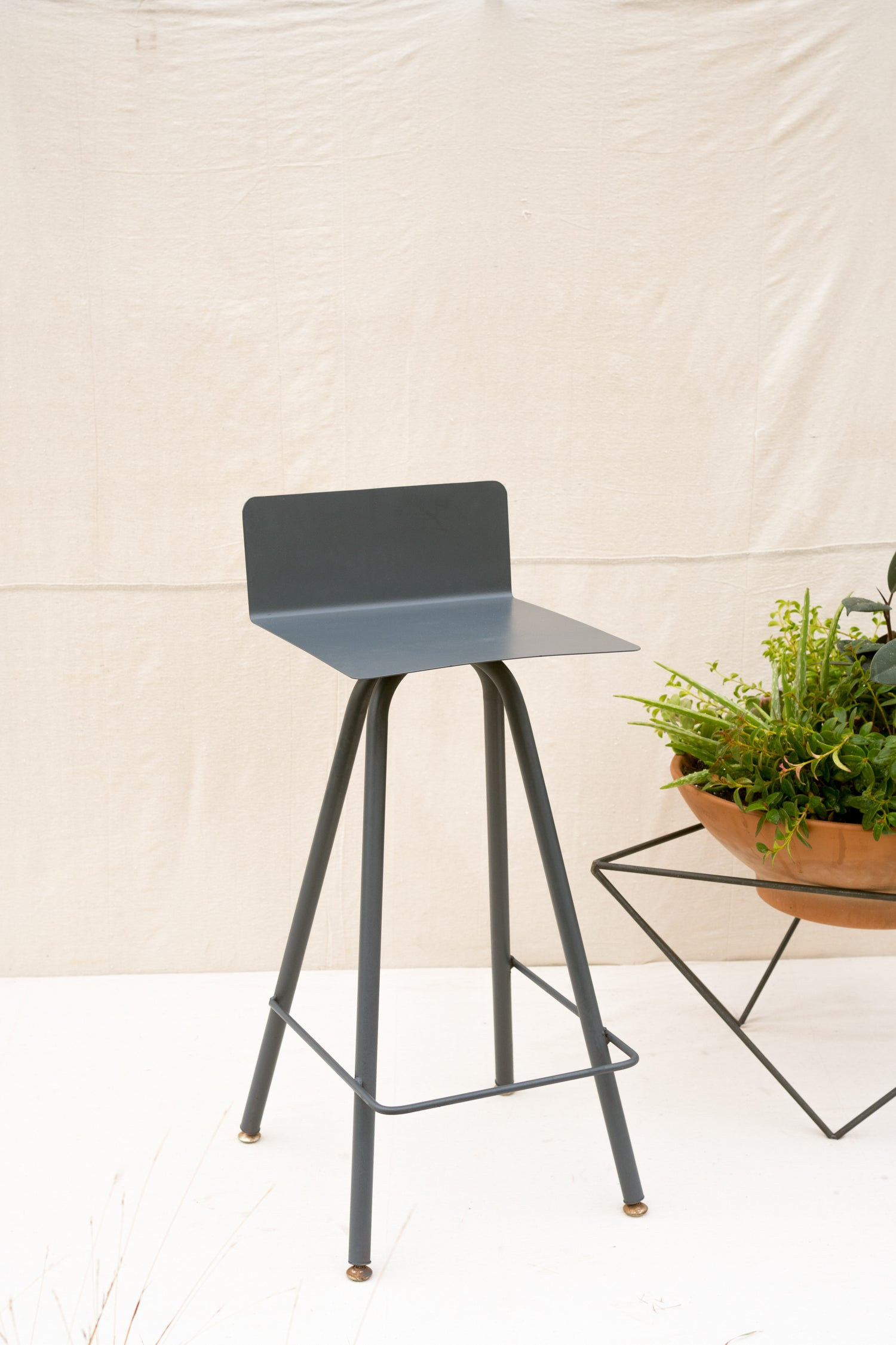 Low-Back Stool