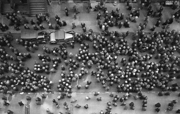 Birds eye view of lots of hatted heads in Manhattan taken by Margaret Bourke-White in 1930