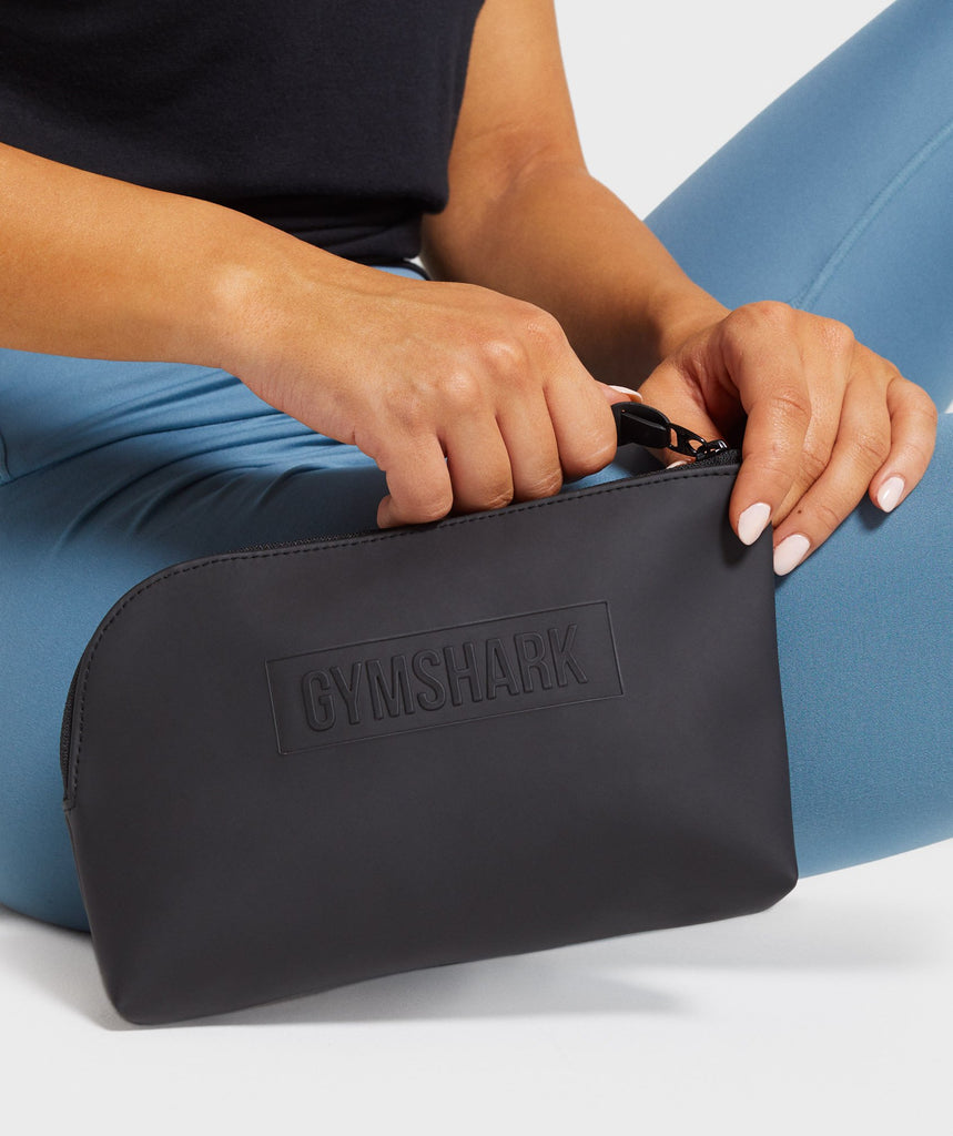 Gymshark Everyday Wash Bag - Black 1