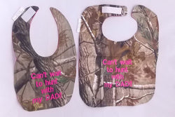Can't Wait To Hunt With My Dad - Camo Hunting Baby Bib - Girls - Hot Pink Lettering