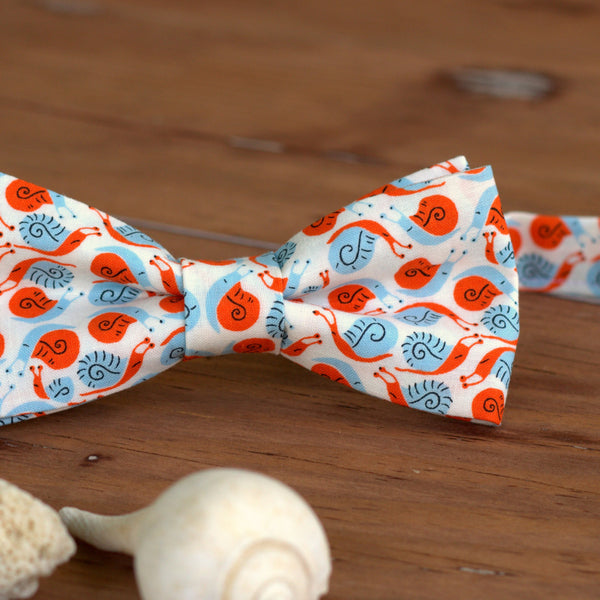 Lumsden Snails Cat Bow Tie