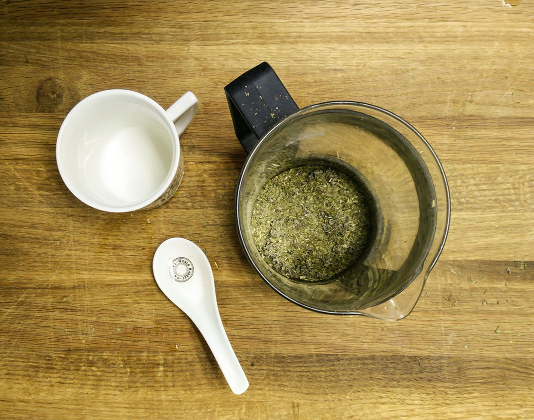 combine sage, thyme and yerba mate tea